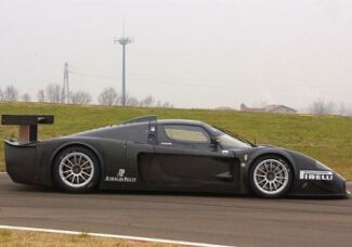 http://www.italiaspeed.com/2004/motorsport/sportscars/fia_gt/08_imola/preview/mc12/009.jpg