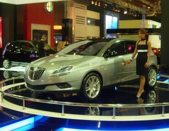 http://www.italiaspeed.com/2006/cars/lancia/11/investor_presentation_lingotto/lancia_delta_hpe.jpg