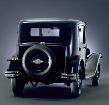 http://www.italiaspeed.com/2006/cars/lancia/history/history/part_2/lancia_augusta_2.jpg