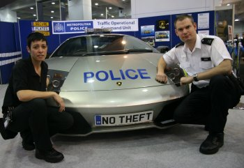 http://www.italiaspeed.com/2006/motor_shows/mph06/london/police/lamborghini_murcielago_lp640_1.jpg
