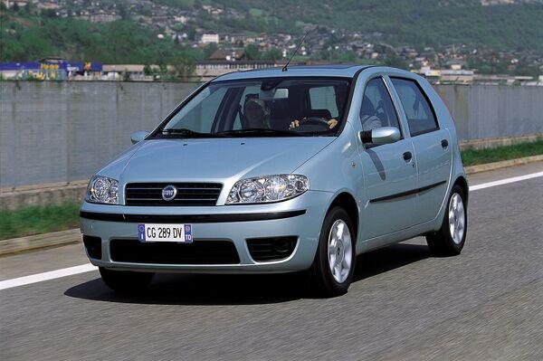 italiasd.com: New Fiat Punto: 2003 Restyling on fiat bravo, fiat spider, fiat 500 abarth, fiat coupe, fiat stilo, fiat 500l, fiat linea, fiat 500 turbo, fiat marea, fiat cars, fiat cinquecento, fiat ritmo, fiat doblo, fiat seicento, fiat multipla, fiat panda, fiat barchetta, fiat x1/9,