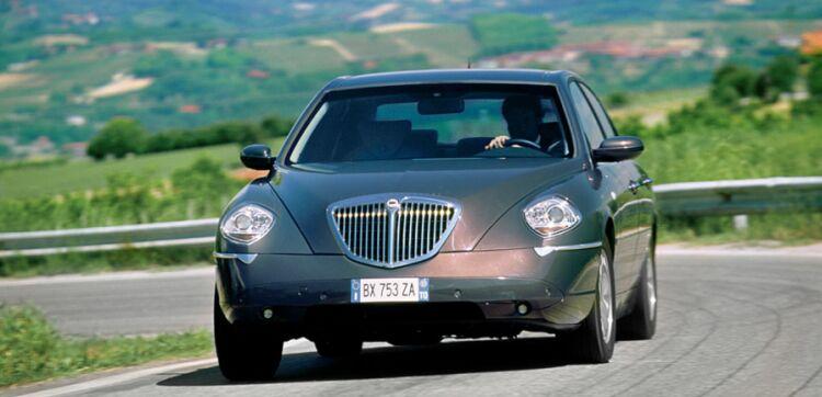 LANCIA Thesis 2 4 JTD 20V aut Executive - Quattroruote it